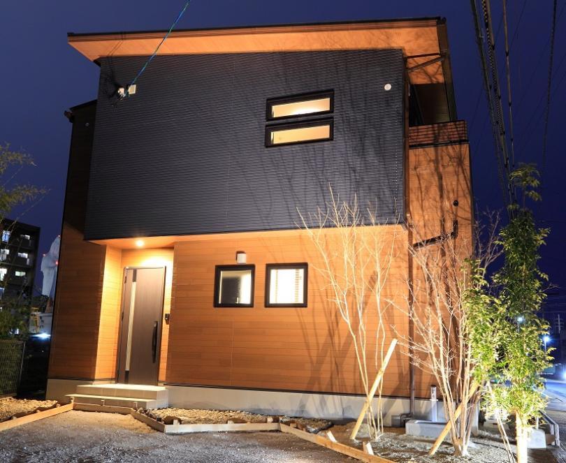 image 【見学可能】ヴィンテージ カフェスタイルの2階建て【久留米上津モデルハウス】